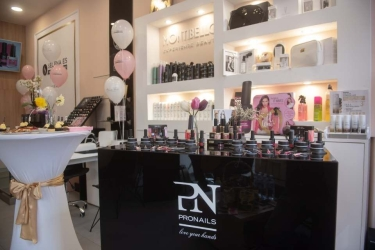 PN Premium Salon and Shop Selena ES 4