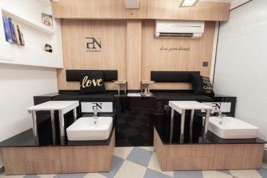 PN Premium Salon and Shop Selena ES 5