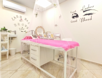 V&A Glamour Beauty Salon 4