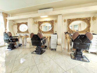 V&A Glamour Beauty Salon 6