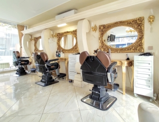V&A Glamour Beauty Salon 2