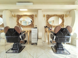 V&A Glamour Beauty Salon 11