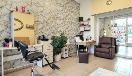 Beauty Shop Hair and Nails 1