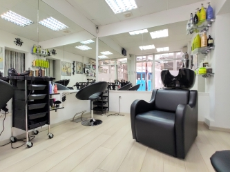 Saks Hair & Beauty Salon 4