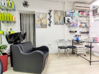 Saks Hair & Beauty Salon 5