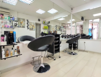 Saks Hair & Beauty Salon 6