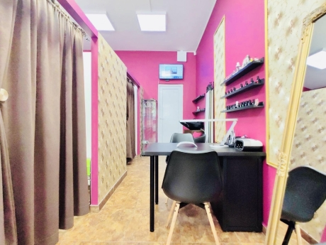 Crazy Girls Beauty Studio 1