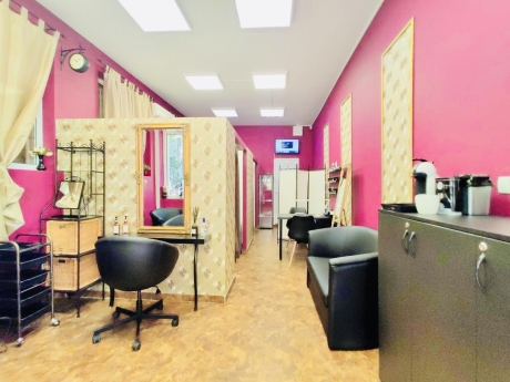 Crazy Girls Beauty Studio 4
