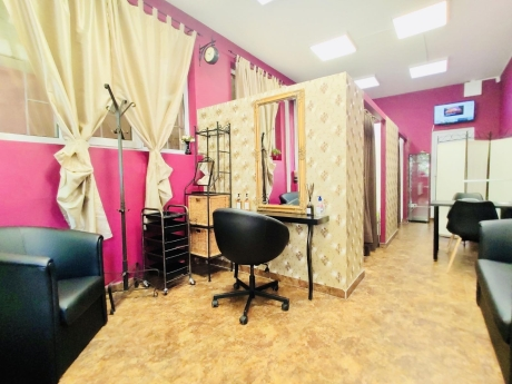 Crazy Girls Beauty Studio 10