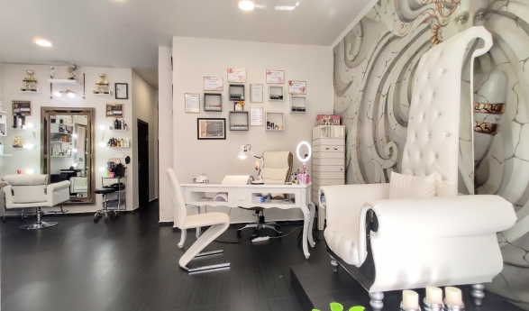 Beauty House Estilo & Carrera 7